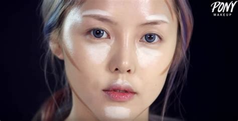 Korean Beauty Blogger Turns Herself into Taylor Swift in