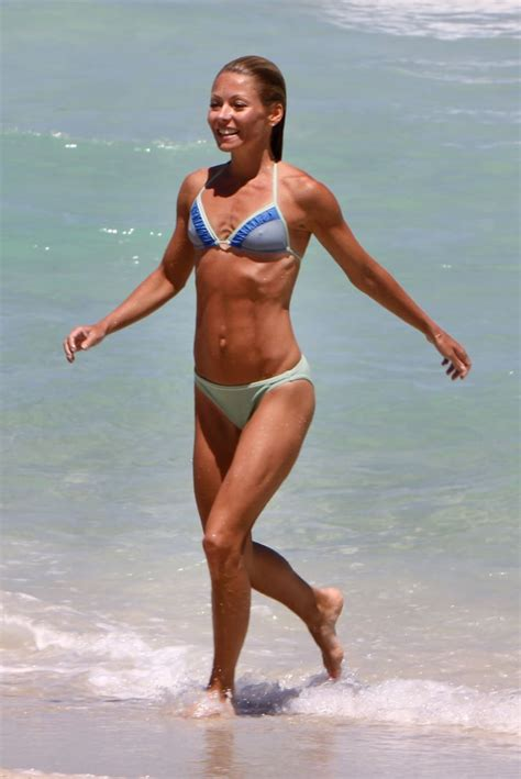 Kelly's Go-To Core Exercise | Kelly Ripa Weekly Workout