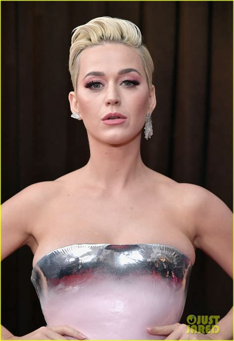 Katy Perry Brightens the Grammys 2019 Carpet in a Pink