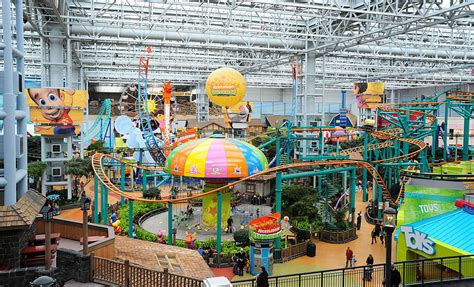Theme Park Vacation? 10 Kid-Friendly Parks Costing Less