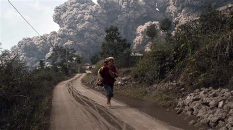 Deadly Volcano Eruption in Indonesia Video - ABC News